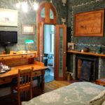 Jambo Guest House Green Room